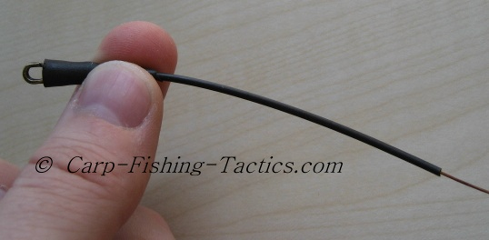 The tubing section which creates a tangle-free carp fishing rig