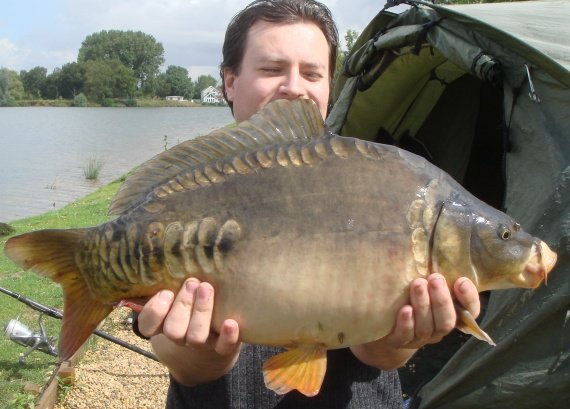 Another double-figured carp caught from Bradleys lake. Huge shoals can be caught once they hit the bait!