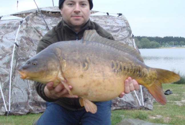 Pic Shows Casting Catches Mirror Bradley's Lake