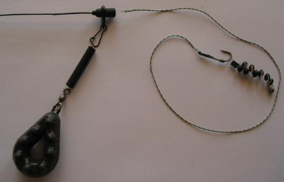 A detailed picture of Semi-fixed carp rig added to leadcore leader